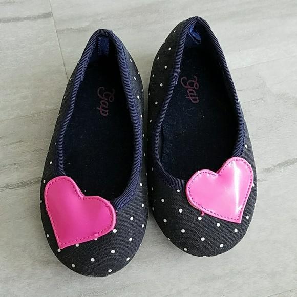 e3b46a3b8ffb0b GAP Shoes | Girls Slip On Sandals Baby 6 Japanese 135 | Poshmark
